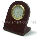 木制檯頭時鐘